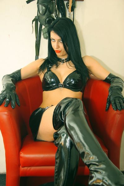 Elvira Zarah - Escort From Virginia Beach VA