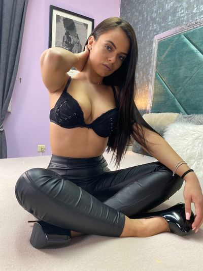 Caucasian Escort Girls in Milwaukee Wisconsin