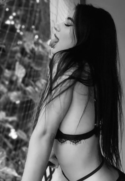 Juliette Bourdeau - Escort From Colorado Springs CO