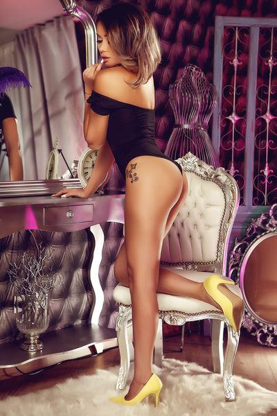Evelyn Paz - Escort From Vista CA