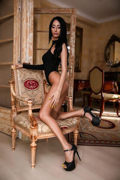 Yanisa Kate - Escort From Columbia MO